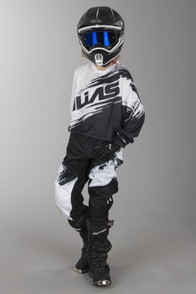 Alias Youth A2 Kit Black-White