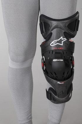 Chránič kolen Alpinestars FLUID TECH Carbon Levý Šedá-Červená-Bílá