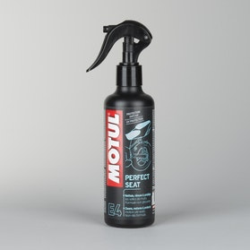 Motul 250ml Seat Cleaner