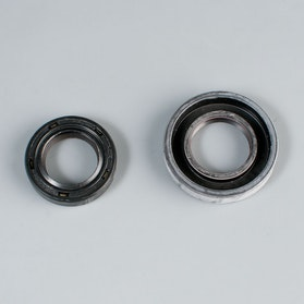 Crankshaft oil seals Prox