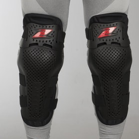 Zandona Jointed Knee Protection Black