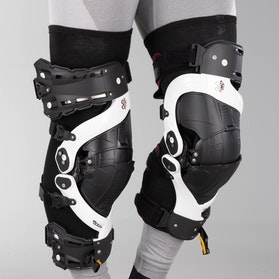 Asterisk Ultra Protection System 2.0 Knee Guard White Pair
