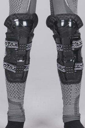 AXO De Lux Youth Knee Protectors Black