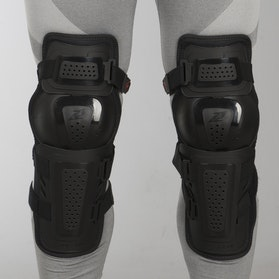 Zandona Evo Svart Knee Protection Black