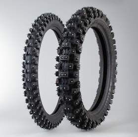 Bridgestone Studded Tyre Set
